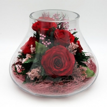 Красные розы в вазе-бутоне 29-653