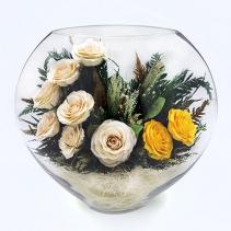 Белые и кремовые розы в плоской вазе 34-541