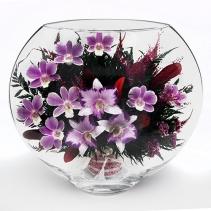 Королевские и фиолетовые орхидеи в плоской вазе 35-777