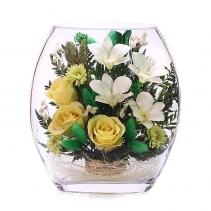 Уплощенная ваза с букетом свежих тонов ERMc